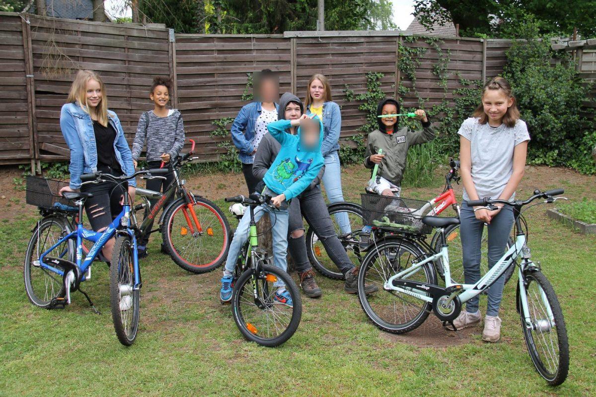 Neue Fahrräder für die Kinder aus der Wohngruppe