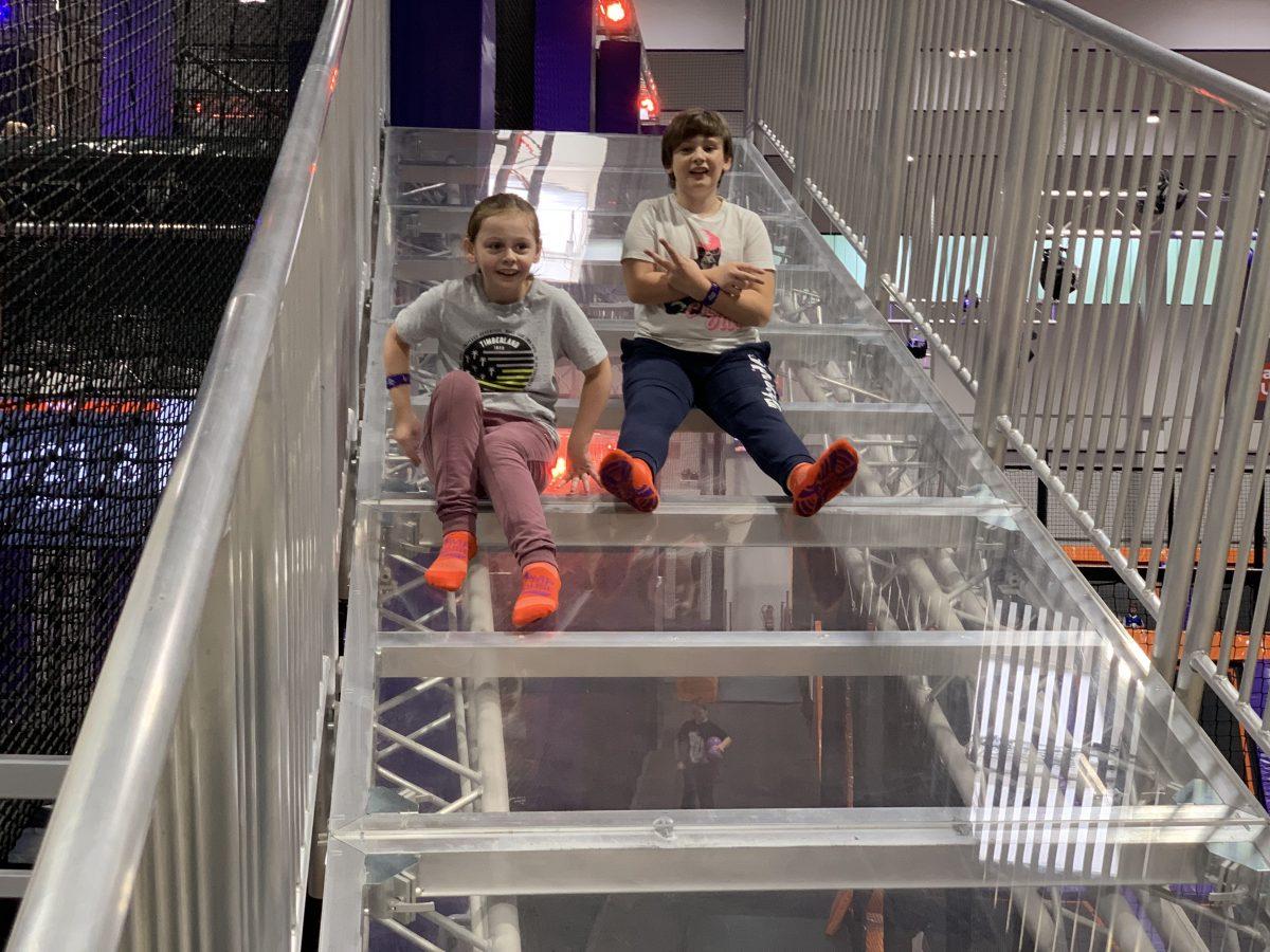 Herzenswünsche – Finn und Emma im Jump House