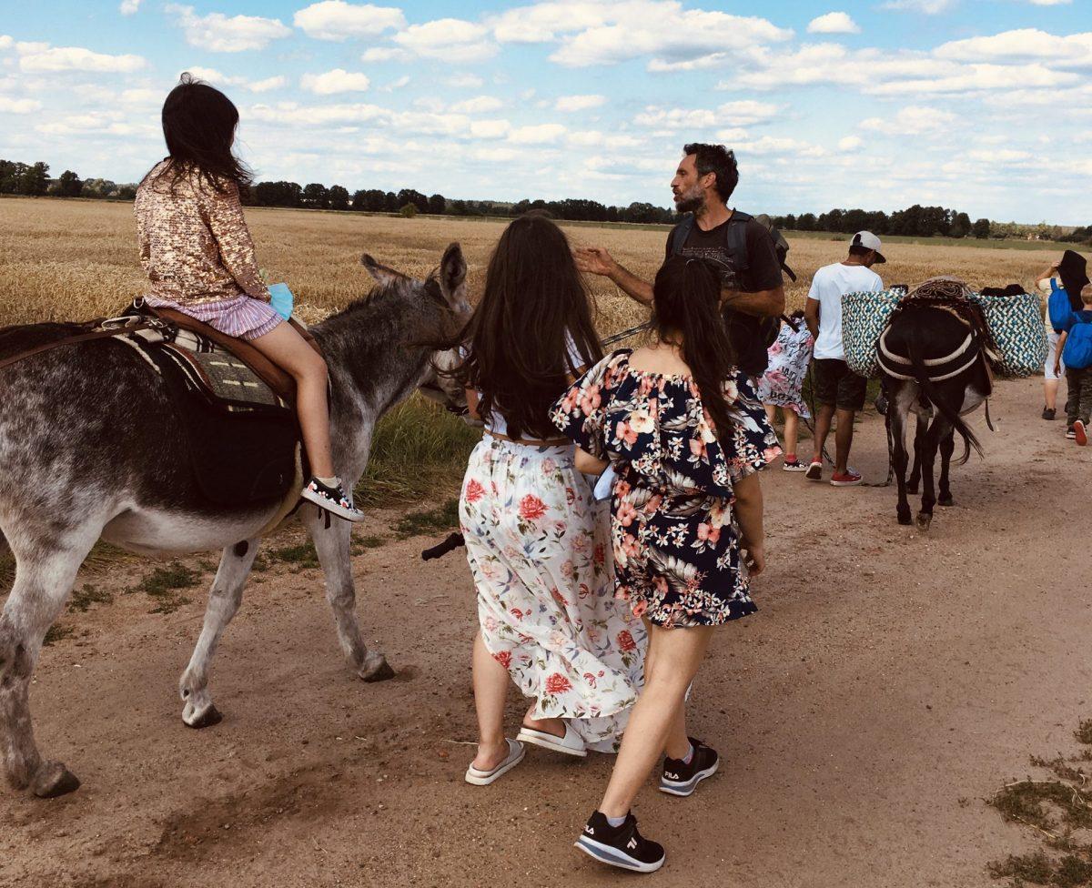 Ein Ausflug in die Natur für die Kinder aus der Kinderküche